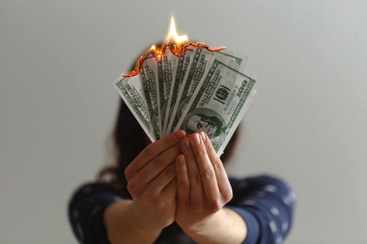 【新時代】お金持ちになるには会社で仕事をするだけではダメ